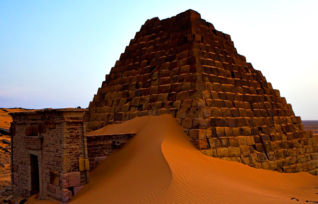 Pyramid cover by sand at Meore's Archaeological Site (Sudan - 2011)