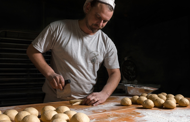 Kristof, an organic traditional baker (France - 2016)