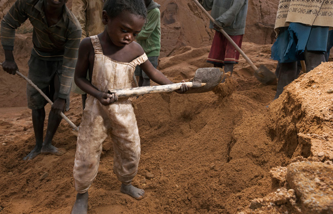 Child diging like adults at the Ilakaka mine. In Madagascar, it is estimated that a quarter of children work from the early age. The effects of the 2009 coup, and the ensuing political and economic instability, continued to make children vulnerable to exploitation.
