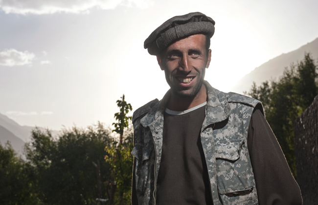 As many Afghan people, many Wakhi men wear the traditional Kurta and Pakol. Lower Wakhan - Afhanistan - 2014