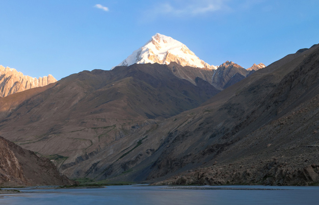Panoramic landscape with the Baba Tungi (6513m) pic in the background. Lower Wakhan - Afhanistan - 2014